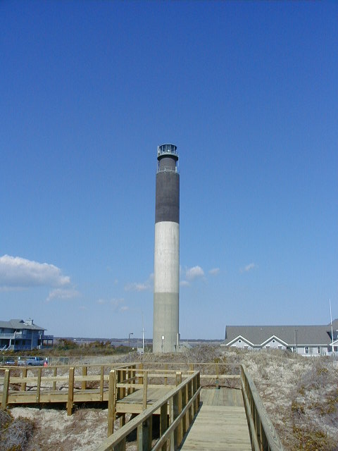 Are There Any Lighthouses At Oak Island