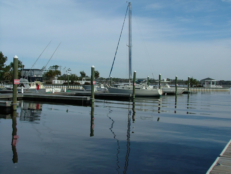 Oak Island Marinas