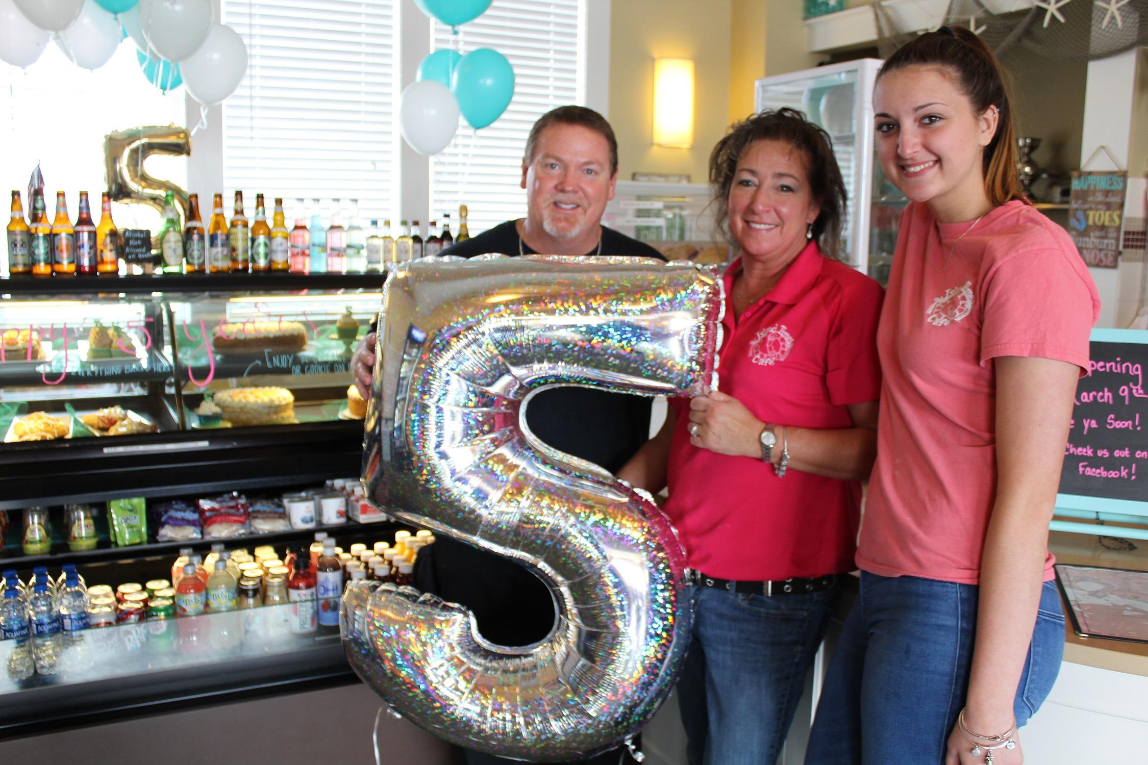 Island times Cafe Celebrates 5 Years